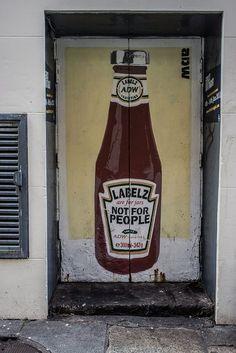 Les étiquettes sont pour les bocaux, pas pour les gens