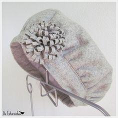 Girls Gray Beret or hat  Gray wool  wool flower by OsEstorninhos