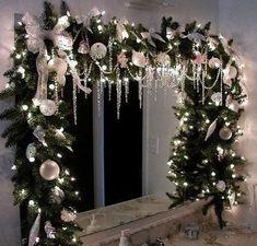 christmas window swags More Christmas tree inspirations Holiday Forum GardenWeb Silver Christmas, Noel Christmas, Rustic Christmas, Christmas Lights, Christmas Kitchen, Christmas Bathroom Decor, Christmas Windows, Elegant Christmas, Beautiful Christmas