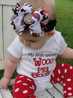 Razorback cuteness... I will so have to have this made if i have a little girl just for my Arkansas Family(Fains) and oh course my grandparents!!!