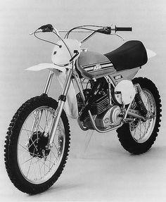 Ktm 125, Dirtbikes, Vintage Bikes, Cars And Motorcycles, Garage, Bicycle, Racing, Classic, Vehicles