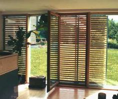 Aluminium-Fensterladen und Klappladen, Schiebeläden, Holz-Fensterläden, Klappläden, Schiebeladen