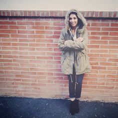 Keep it cozy! Mel of TheFashionCitizen in Fur Trimmed Drawstring Anorak found in her Markkit collection paired with her Zara booties.
