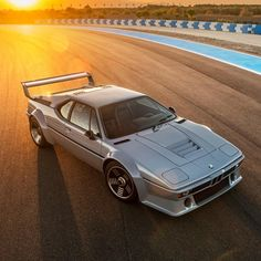 Dakar Dud: This Mercedes-Benz Was Built For Off-Road Endurance Racing In The Car Pics, Car Pictures, Range Rover Lwb, Garage Workshop Plans, Bmw M1, Guy Stuff, Twin Turbo, British Style, Shotgun