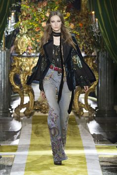 All the Looks From the Roberto Cavalli Fall 2016 Ready-to-Wear Show