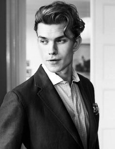 Pompadour hairstyles for men. Stunning pompadour hairstyles for men. Top short hairstyles for men. Messy Pompadour, Mens Hairstyles Pompadour, Pompadour Men, Loose Hairstyles, Hairstyles Haircuts, Haircuts For Men, Stylish Hairstyles, Haircut Men, Haircut Style