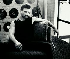 Frank Grillo Sitting Poses, Black And White Portraits, Attractive People, Pretty Men, Winter Soldier, Modern Man, Man Crush, Snapchat, Sexy Men