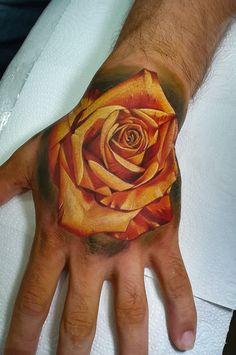 Tatuagem em realismo: encontre tatuadores agora! - Blog Tattoo2me Leaf Tattoos, Blog, Tattoo Studio, Get A Tattoo, Blogging