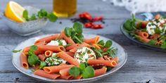 Myllyn paras Punajuuuripasta vuohenjuustosalaatti - Helposti hyvää arkeen!  #pastaresepti #ruokaisasalaatti #pastasalaatti #arkiresepti