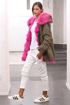 Parka with Fox Fur. Parka con volpe. #elsafur #fur #furs #furcoat #coat #fox #volpe #minkcoat #cappotto #peliccia #pellicce #parka