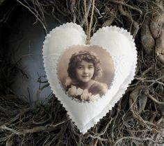 Leinen Stoffherz No 14 von White Roses auf DaWanda.com
