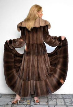 OUTLET VELVET ROYAL SAGA MINK WITH SABLE COLLAR.
