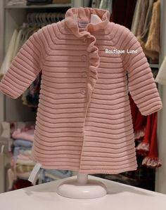 Crochet And Knitting Pattern Free 2019 - - Diy Crafts - maallure Baby Knitting Patterns, Baby Sweater Patterns, Knitting For Kids, Knitting Designs, Crochet Baby Jacket, Knitted Baby Cardigan, Hand Knitted Sweaters, Baby Pullover Muster, Vestidos Bebe Crochet