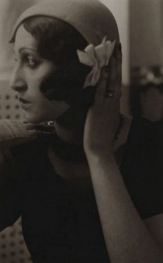 mapetitemelancolie:    Jacques Henri-Lartigue - Renée Perle with hand on hat, 1930