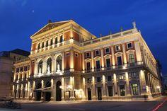 2 in B-Dur - Satz: Allegro con brio Romantic City Breaks, Vienna Places To Visit, Places To See, Visit Austria, Vienna Austria, Stuff To Do, Things To Do, Danube River Cruise, Vienna