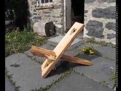 This step by step tutorial of how to build a homemade viking chair diy project is detailed in two videos, pictures and instructions. This viking chair is Woodworking Bench, Woodworking Projects, Woodworking Videos, Outdoor Projects, Wood Projects, Vikings, Lawn Furniture, Camping Chairs, Diy Chair