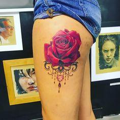 Rose et pierre précieuse