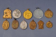"""Médailles de charité"" (""Charity medals""), Belgium/France - Europeana 1914-1918 CC-BY-SA"