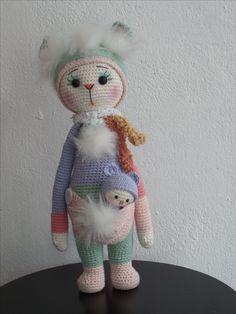 KITA the kangaroo made by Francis van C. / crochet pattern by lalylala