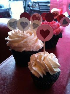 Valentine Day Paper Cupcake Toppers DIY