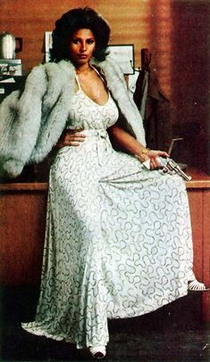 Beautiful actress Pam Grier has starred in many films since the Visit Brian's Drive-In Theater for photos, biography and filmography information, and DVD and memorabilia sources for actress Pam Grier. Vintage Black Glamour, Vintage Beauty, Black Women Art, Beautiful Black Women, Beautiful Legs, Beautiful Pictures, Foxy Brown Pam Grier, Pam Grier 70s, 70s Fashion