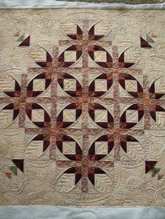 Beautiful block pattern and quilting!