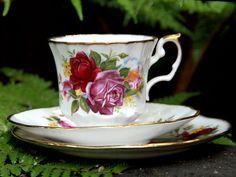 Vintage Elizabethan Teacup, Saucer & Side Plate - English Bone China Trio Set 14159