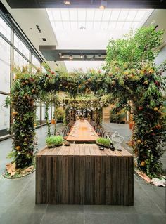 A canopy of local botanicals brings the outside in. Grand Hyatt Melbourne's holiday celebration was a lush, organic masterpiece. #LivingGrand