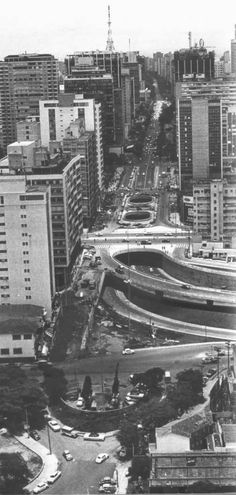 Vista aérea da Avenida Paulista  Ano: 1972  Autor: desconhecido