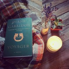 Time to reread Voyager! I know this is a lot of people's favorite book in the Outlander series and I'm looking forward to season 3 of the show. Starting off 2017 right :)