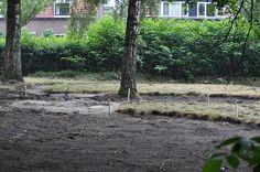 Marnix van Van Ginkel Veenendaal is druk bezig met de voorbereidingen van de tuin. Met dank aan Hardeman, Steenbergen, Huur en Stuur & Van Ginkel.