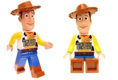 Woody te da los buenos días con este despertador de Lego :-)