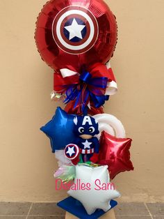50 Ideas Birthday Balloons Bouquet Mickey Mouse For 2019 Avengers Birthday Cakes, Hulk Birthday, Superhero Birthday Party, Unicorn Birthday Parties, Birthday Balloons, Balloon Table Decorations, Superhero Party Decorations, Balloon Box, Balloon Gift