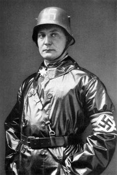 Hermann Goering young