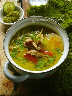Soto Medan in 2020 Baked Fish, Baked Salmon, Fish Recipes Indian Style, Ethnic Recipes, Rice Dishes, Food Dishes, Tom Kha Gai Recipe, Homemade Honey Mustard, Grilled Fish Recipes