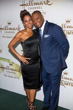 Meet the Peetes' follows the lives of Holly Robinson and Rodney Peete.