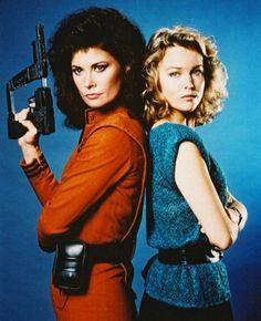 Jane Badler and Faye Grant mortal enemies in V.
