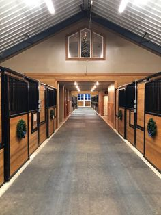 Cobalt Stables is ready for the Holidays! Want stalls like these? Visit our website www.classic-equine.com #CEE #classicequine #besthorsestalls #theresnothinglikeaclassic