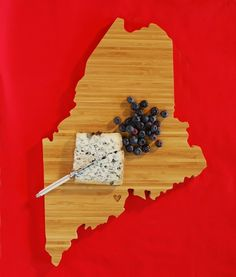 Beautiful handmade wooden cutting- or cheeseboards from any state you like
