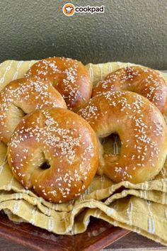 Bagel, Bread, Snacks, Recipes, Food, Kitchens, Appetizers, Brot, Essen