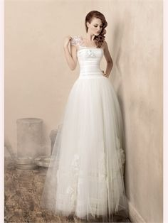 White A Line One Shoulder Tulle 2013 Wedding Dress