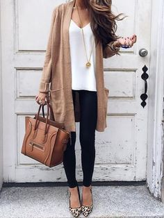Find out our very easy, relaxed & just neat Casual Fall Outfit inspirations. Get motivated with one of these weekend-readycasual looks by pinning your favorite looks. casual fall outfits for teens Cute Spring Outfits, Casual Work Outfits, Mode Outfits, Work Casual, Casual Office Attire, Jeans Outfit For Work, Dress Casual, Spring Clothes, Professional Outfits