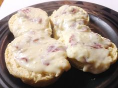 Chipped Beef Gravy and Biscuits - easy 15 minute dinner (or breakfast)