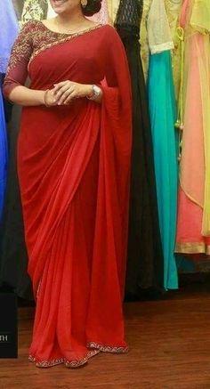 Nice and simple Blouse Designs Silk, Saree Blouse Patterns, Kurta Designs, Blouse Models, Saree Models, Indian Dresses, Indian Outfits, Plain Chiffon Saree, Sarees For Girls