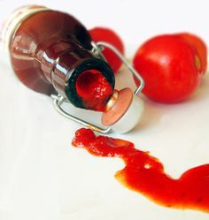 Homemade ketchup with no chemicals added; step by step. (in Romanian translator on side bar) Homemade Ketchup, Vegetarian Recipes, Cooking Recipes, Romanian Food, Romanian Recipes, Pasta, Pickles, Food And Drink, Nutrition