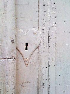 Lovely heart shaped escutcheon