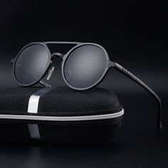 Cheap round sunglasses, Buy Quality polarized sunglasses directly from China f sunglasses Suppliers: High quality men's aluminum magnesium fashion round Polarized Sunglasses lunette de soleil homme round sunglasses men Round Frame Sunglasses, Retro Sunglasses, Mens Sunglasses, Discount Sunglasses, Lunette Style, Steampunk Sunglasses, Look Retro, Glasses Frames, 3d Glasses