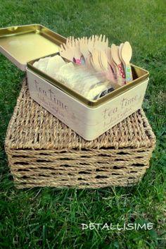 Cucharitas y tenedores de madera decorados DETALLISIME presentados en una caja de té. pedidos: detallisime@yahoo.es