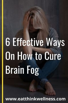 Are you constantly too tired to think? You may be suffering from brain fog! How to cure brain fog depends on what is causing it. Health And Wellness, Health Tips, Health Care, Brain Fog Causes, What Is Brain, Fitness Facts, Track Workout, Wellness Programs, Brain Health