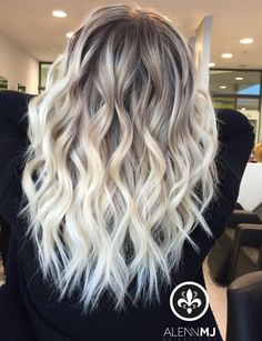 Haar ideen How To Choose the Perfect Hair Cut For Young Girls Your daughter or the significant littl Hair Color And Cut, Ombre Hair Color, Hair Color Balayage, Hair Highlights, Blonde Hair Looks, Ash Blonde Hair, Platinum Blonde Hair, Baylage Blonde, Cute Hair Colors